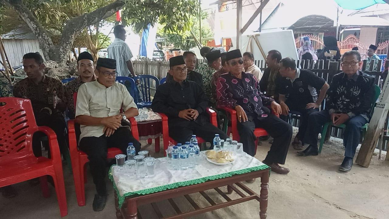 Wakili Pimpinan MA, Sekretaris Badilag Serahkan Jenazah KPA Gorontalo pada Keluarga